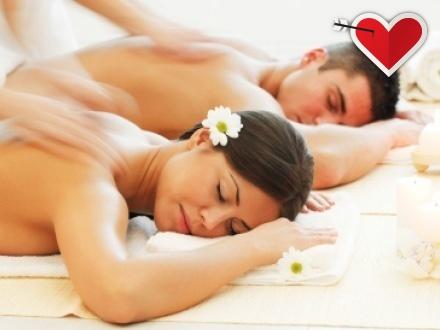 ¡El regalo perfecto para San Valentín! $109 por 1 Masaje sueco para parejas + Uso del jacuzzi, cuarto de vapor, casilleros y piscina de tranquilidad