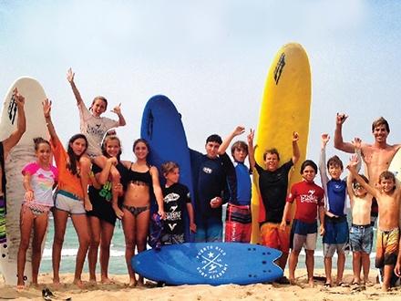 $25 por 1 Clase grupal de surfing de 1 hora en la reconocida Puerto Rico Surf Academy