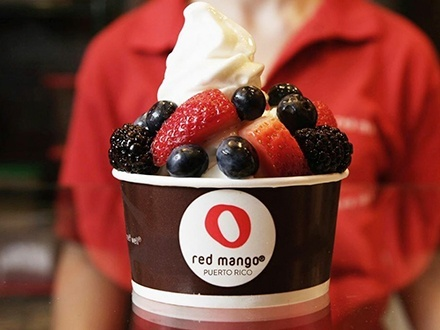 ¡Celebra el mes del amor y la amistad en Red Mango! $5 por Gustazo de $10 para consumo del menú abierto de Frozen Yogurt, smoothies, jugos frescos, desayunos y mucho más