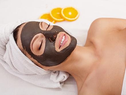 ¡Dale amor y cariño a tu rostro! $49 por Tratamiento Love Your Face que incluye: Facial rejuvenecedor con exfoliación + Tratamiento de ojos y labios + Alta frecuencia + Hidratación de manos