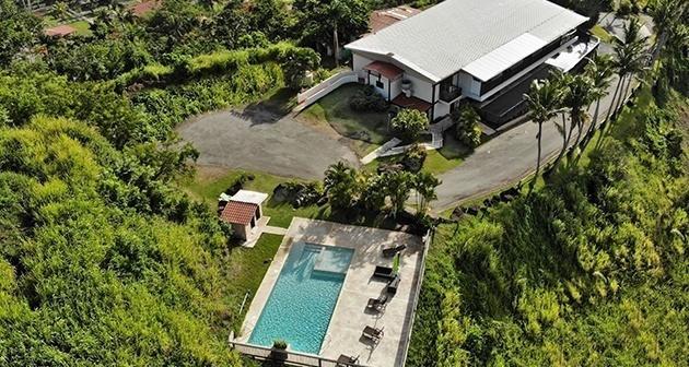 Mountain Lodge Suites at Carabalí Rainforest Park