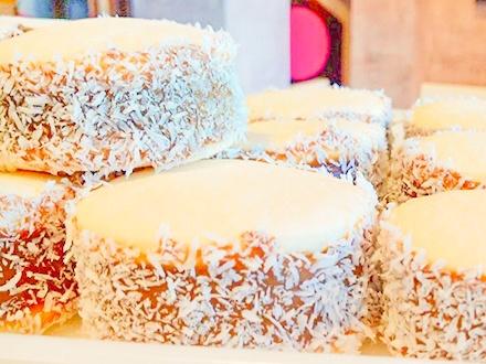 ¡Un dulce Gustazo para mamá y la familia completa! 16,95€ por Pedido de 6 Alfajores grandes + 1 Tarta de almendra