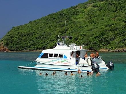$49 por Excursión en catamarán a CULEBRA para 1 persona el 16, 17, 19, 23 o 24 de MAYO de 2016 + Comida y bebida ilimitadas + Snorkeling + $10 de Descuento en tu próxima excursión