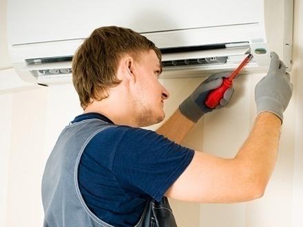 $35 por Limpieza de acondicionador de aire residencial o comercial, incluyendo rejillas de ventilación, turbinas, bandejas y drenaje + Monitoreo del nivel del refrigerante