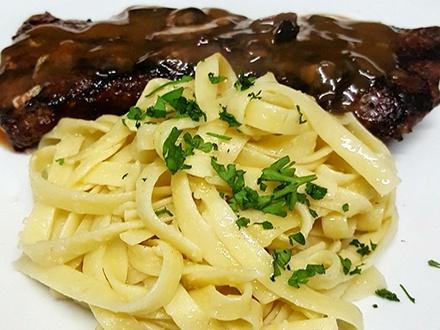 ¡Italia se muda a Santurce! $29 por Gustazo de $60 en el menú abierto para 2 personas + 2 Mojitos italianos
