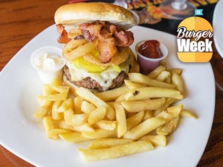 $15 por 2 Hamburgers Internacionales de 8oz a escoger entre: Buffalo Special, Boricua Burger, Mexicano Burger y American Hot Buffalo Burger + 2 Complementos + Salsas para escoger + 2 Sangrías o frappes