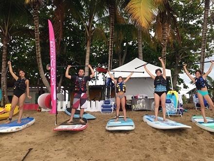 ¡Vive la emoción del paddleboarding o kayak! $10 por 1 Hora de alquiler de Paddleboard o Kayak + 1 Lección GRATIS