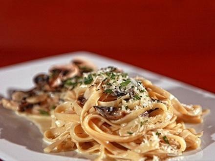 ¡Vive una experiencia italianísima! $19 por Gustazo de $40 para consumo del menú de pastas, carnes, ensaladas y más