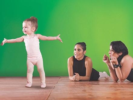 $15 por 1 Mes de Ballet con 4 clases de 1 hora para cualquiera de los siguientes niveles: Mami y Yo, Movimiento Creativo, Pre-Ballet, Principiantes, Intermedio o Avanzado + 50% de Descuento en el próximo mes