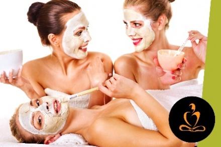 $225 por Spa Party para 4 amigas que incluye: Masaje profundo de 55 minutos con Aromaterapia en cabina doble + Skintimes® Facial Party en suite privada + 2 Copas de Champán por persona + Fresas + Uso de batas, sandalias, duchas, sauna y vapor + 20% de Descuento en tratamientos de spa adicionales