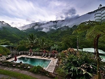 ¡Escápate a las montañas! $169 por Estadía de 3 días y 2 noches en FINES DE SEMANA para 2 personas + 1 Clase de yoga para 1 persona