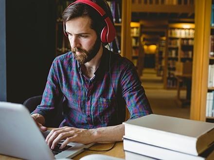 ¡Aprende a hablar y escribir en inglés! US$18 por Curso en línea de 6 meses