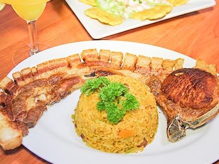 $21 por 2 Platos principales a escoger entre: Chuleta Can Can con 1 acompañante, Ensalada de pulpo con 1 acompañante o Mofongo relleno de pollo o carne frita + 2 Margaritas de parcha a las rocas