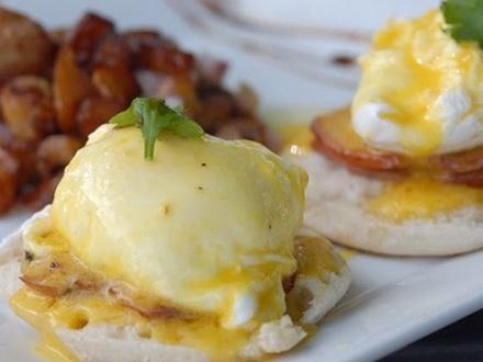¡Domingos de Brunch! $12 por Gustazo de $25 para consumo del menú abierto de Brunch + 2 Mimosas
