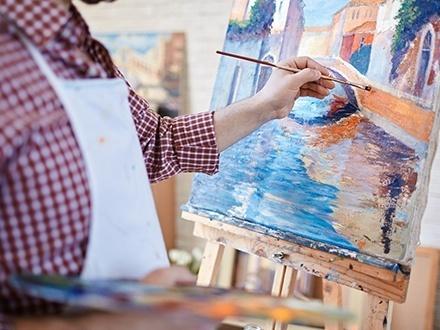¡Muestra tu lado artístico estas Navidades! $18 por 1 Clase nocturna de pintura en canvas (incluye materiales y te llevas el canvas cuando termine la clase) + 30% de Descuento en Prros Locos
