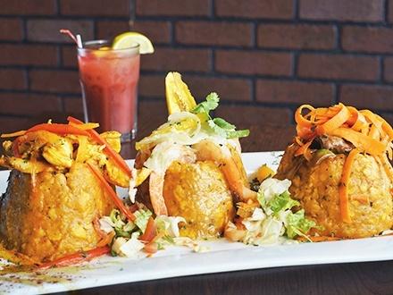 ¡Porque tú lo pediste! $27 por 2 Mofongos rellenos de churrasco, camarones o pollo + 2 Copas de sangría + 1 Cheesecake frito para compartir