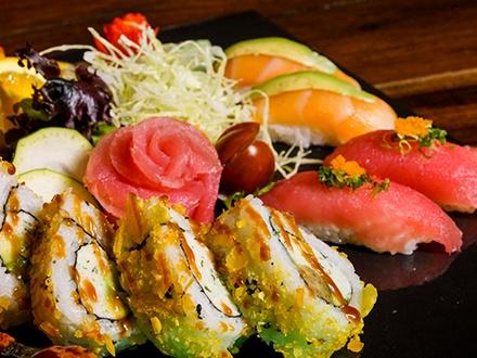 ¡Disfruta el exquisito sabor y ritmo de Condado! $30 por Gustazo de $60 en el menú abierto + Estacionamiento complementario