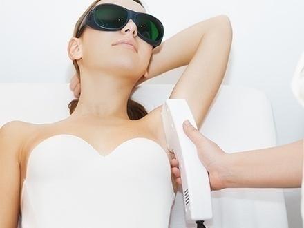 $35 por 5 Sesiones de depilación láser en 1 zona pequeña o $65 por 5 Sesiones de depilación láser en 1 zona mediana + 20% de Descuento en facial
