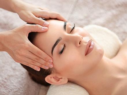 ¡Vive una experiencia de relajación total! $37 por Facial de limpieza profunda que incluye: Vapor + Extirpación + Alta frecuencia + Ácido glicólico + Mascarilla purificante