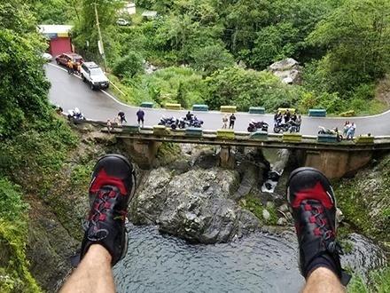 ¡Una aventura única en Puerto Rico! $35 por Columpio en la cascada de Doña Juana + Recorrido en el Bosque Toro Negro + Visita a dos cascadas + Recorrido por el río + Nadar en piscina natural + Agua embotellada
