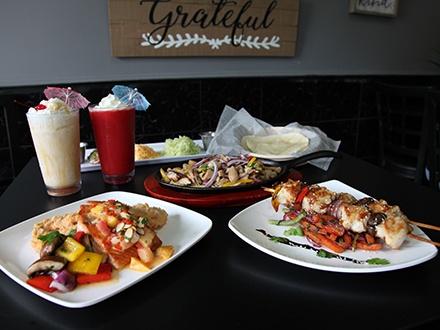 Eat Restaurant - San Germán