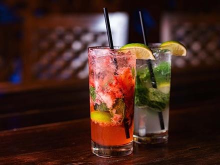 Red Coral Lounge - San Juan Marriott Resort & Stellaris Casino, Condado