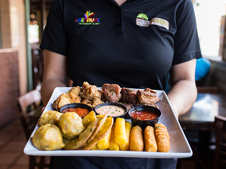 La Ceiba Bar & Restaurant - Coamo