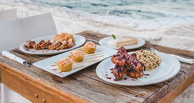 Waikiki Caribbean Food & Oyster Bar - Condado